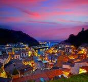 Cudillero dorp in Asturias Spanje stock foto's