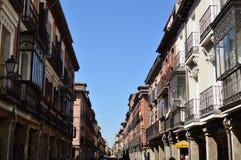 Cudowne fasady domy Datuje Od wieków średnich W głównej ulicie Alcala De Henares Architektury podróży historia zdjęcie royalty free
