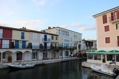 Cudowny krajobraz Portowy Grimaud na Francuskim Riviera w Francja Zdjęcie Stock