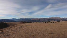Cudowny krajobraz przy Monte Pora terenem Presolana pasmo górskie w zimy porze suchej i alps Włochy zdjęcie wideo