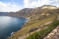 Cudowny krajobrazowy widok na wybrzeżu przy Chapmans szczytu przejażdżką, Kapsztad Obrazy Royalty Free