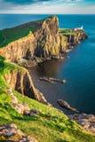 Cudowny półmrok przy Neist punktu latarnią morską w Szkocja zdjęcie stock
