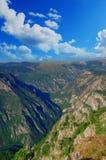 Cudowny widok góry w parku narodowym Durmitor Montenegro Bałkany Europa Karpacki, Ukraina, Europa Jesieni Krajobrazowy jn niebies Zdjęcie Royalty Free
