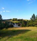Cudowny wzgórze krajobraz na słonecznym dniu fotografia royalty free