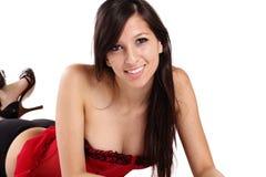 Cuecas vermelha de sorriso nova do preto do espartilho da mulher Fotos de Stock