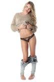Cuecas vestindo da jovem mulher 'sexy' imagens de stock