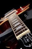 Cuello de la guitarra eléctrica de Les Paul abajo Foto de archivo libre de regalías
