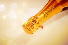 Cuello de oro del champán con la inscripción 2018 Fotos de archivo libres de regalías