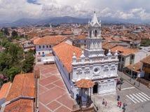 Cuenca Ecuador/November 3, 2017 - flyg- sikt av Todos Santos arkivbilder