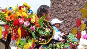Cuenca, Ecuador Parade Paseo Del Nino auf Weihnachten lizenzfreie stockbilder