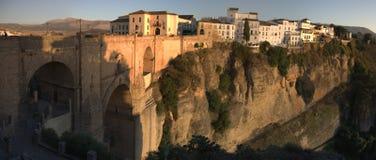 Cuenca, Espanha/Oct4, 2008: Cliff Houses de Cuenca, Espanha imagem de stock royalty free