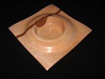 Cuenco cuadrado de madera del borde Imagenes de archivo