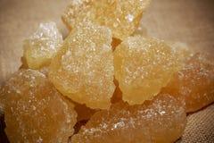 Cuenco de azúcar marrón de la roca Foto de archivo libre de regalías