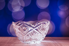 Cuenco de cristal con el fondo del bokeh Fotografía de archivo