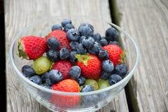 Cuenco de frutas imágenes de archivo libres de regalías