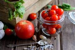 Cuenco de los tomates de cereza imagen de archivo libre de regalías