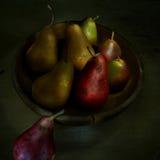 Cuenco de peras Foto de archivo libre de regalías
