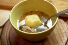 Cuenco de sopa del claro de la carne Fotos de archivo libres de regalías