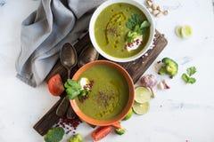 Cuenco de sopa verde Foto de archivo libre de regalías