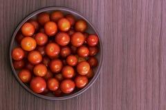 Cuenco de tomates Fotos de archivo libres de regalías