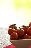 Cuenco de tomates Foto de archivo libre de regalías