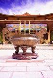 Cuenco santo en el monasterio de Chuk Lam Buddhist en el lat Vietnam de DA, enero de 2017 Fotos de archivo libres de regalías