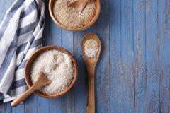 Cuencos de arroz y de quinoa Fotografía de archivo