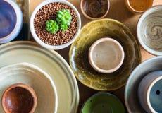Cuencos de cerámica preparados para utilizar para el pote del houseplant Imágenes de archivo libres de regalías
