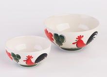 Cuencos de sopa de cerámica pintados a mano grandes y pequeños Foto de archivo