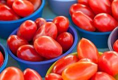 Cuencos de tomates Imágenes de archivo libres de regalías