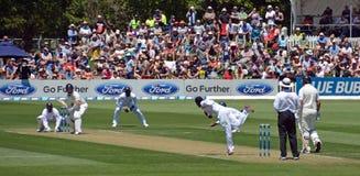 Cuencos srilanqueses de Tharindu Kaushal del hilandero al bateador de Nueva Zelanda Imagenes de archivo