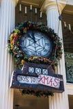 Cuenta de reloj de Disneyland abajo a la Navidad Fotografía de archivo libre de regalías