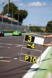 Cuenta de revestimientos en la pista durante la raza de supercars fotografía de archivo libre de regalías