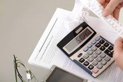 Cuentas calculadoras Imágenes de archivo libres de regalías