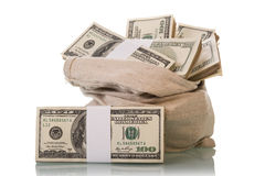 Cuentas de dinero del dólar Fotos de archivo