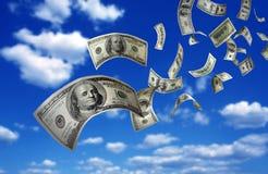 Cuentas del dinero que caen $100 Fotografía de archivo libre de regalías