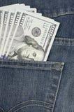 $100 cuentas los E.E.U.U. en bolsillo Fotos de archivo