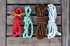 cuerda colorida con los nudos Foto de archivo libre de regalías