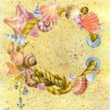 Cuerda de la nave de la concha marina y del mar con arena de mar Fotografía de archivo