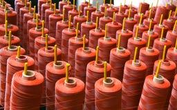 Cuerda de rosca en color rojo Imagen de archivo