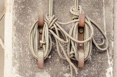 Cuerda del nudo atada Fotos de archivo libres de regalías