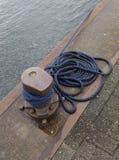 Cuerda del nudo del marinero Fotos de archivo libres de regalías