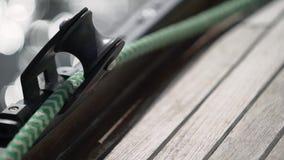 Cuerda en el yate de la navegación almacen de metraje de vídeo