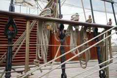 Cuerda en un velero viejo Foto de archivo libre de regalías