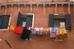 Cuerda para tender la ropa del lavadero Imágenes de archivo libres de regalías