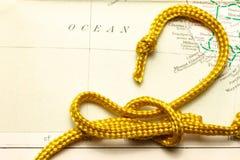 Cuerda y mapa Fotos de archivo