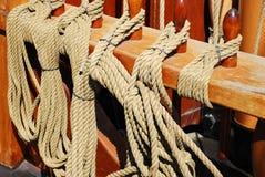 Cuerdas de las naves fotografía de archivo libre de regalías