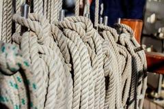 Cuerdas en cubierta de la nave Imagen de archivo libre de regalías