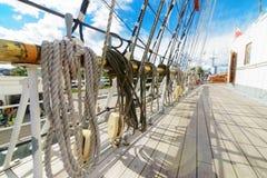 Cuerdas en un velero Imagen de archivo libre de regalías