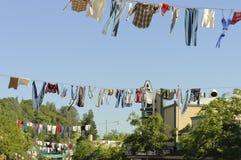 Cuerdas para tender la ropa viejas de los temporizadores Foto de archivo libre de regalías